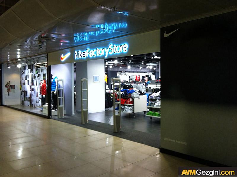Deposite Avm /Outlet - Nike